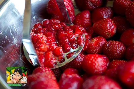 Сhavanprash + Strawberry Усилить эффект Чаванпраша можно свежими ягодами
